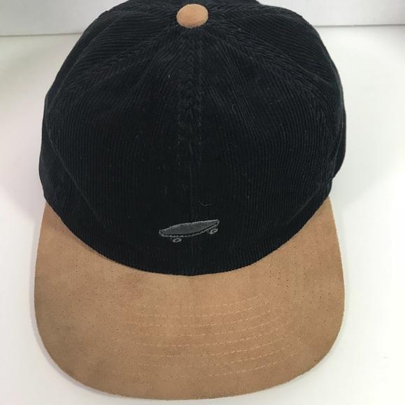 7cd12f7612077 Vans off the Wall Men s Salton Corduroy Hat Black.  M 5a79a2289a94559e9e12f6fd